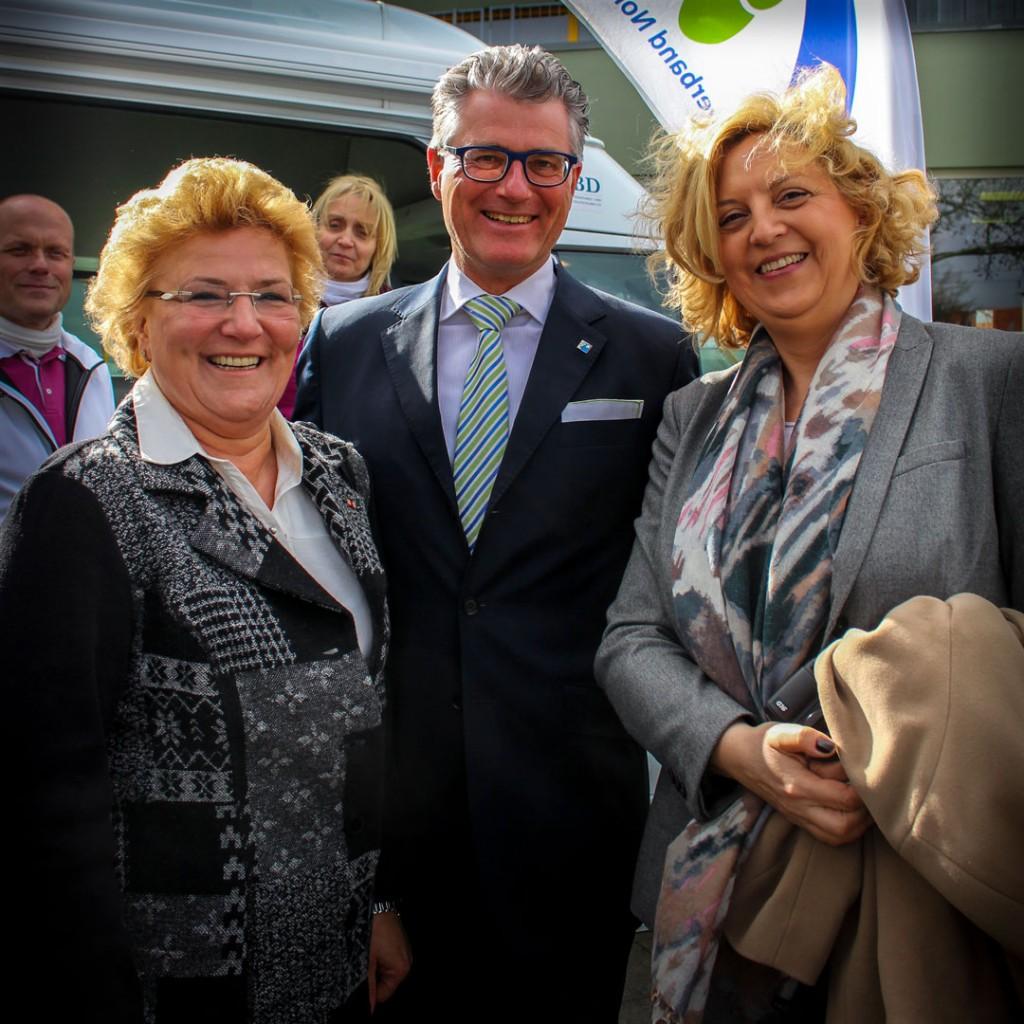 v.l.n.r.: MdB Sylvia Pantel, Prof. Dr. Andreas Meyer-Falcke, Dr. Stefanie Gerlach (Leiterin Gesundheitspolitik der Deutschen Diabetes-Hilfe)